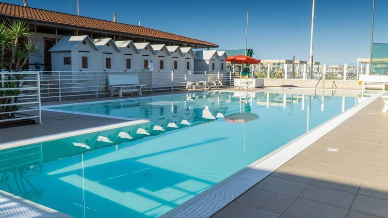 Privater strand hotel i pini - Bagno amore lido di camaiore ...