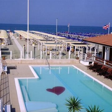 Hotel i pini agreed with private beach - Bagno maestrale lido di camaiore ...